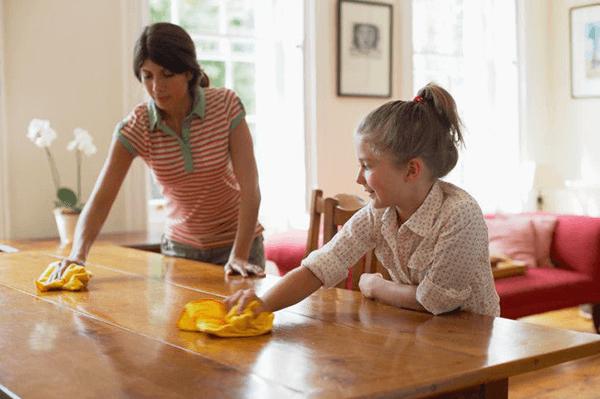materinski dan_pomoč pri čiščenju