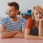 Naučite se pogovoriti s partnerjem, ki je vedno defenziven