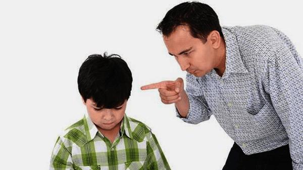 kritiziranje v zvezi_kritik starš